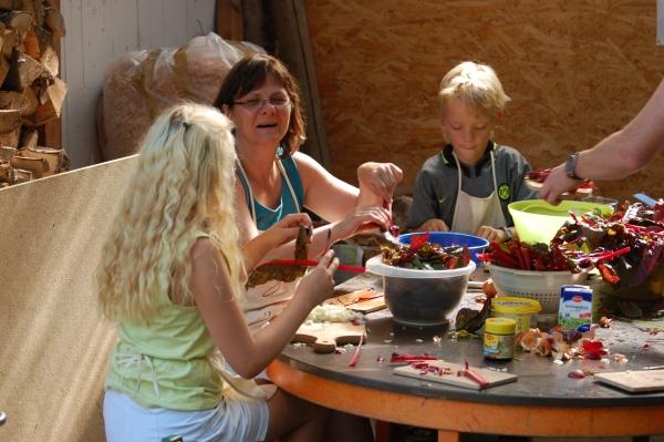 Freude bei der Zubereitung (Foto: Rainer Deimel)