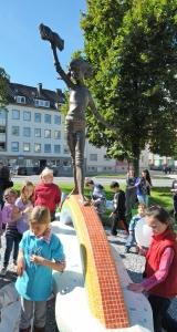 RTEmagicC_Kinderrechte-Skulptur2_k.jpg